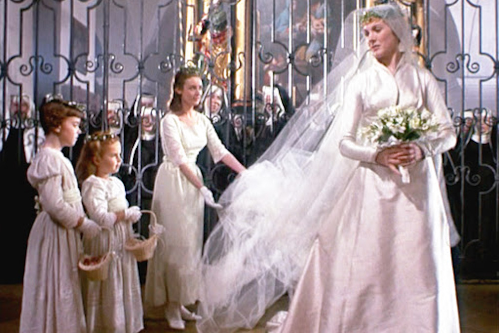 Maria S Wedding Dress Von Tr And The Kids